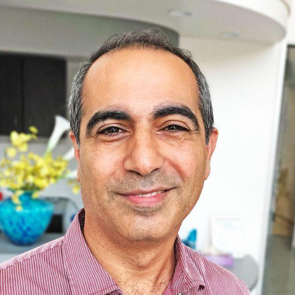 Dr Danesh Bastani, Top Rated Oakland Dentist